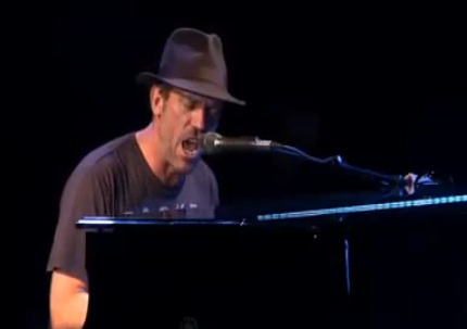 Hugh-Laurie-New-Orleans-5